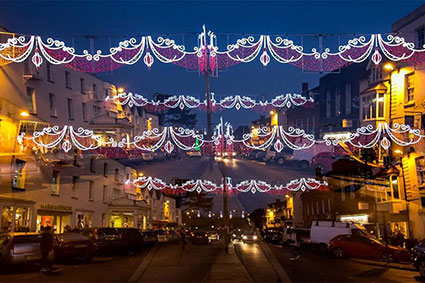 News - Rosconn - Stratford Christmas lights Shining Bright